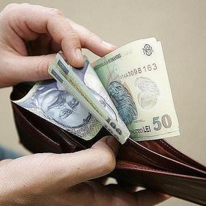 Salarii mai mici, in iulie