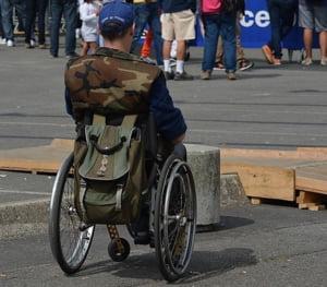 Salariile persoanelor cu dizabilitati scad cu 7% din cauza revolutiei fiscale