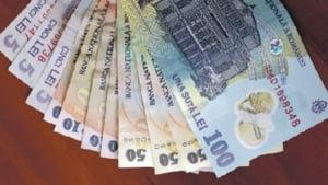 Salariilor bugetarilor ar putea creste usor (FMI)