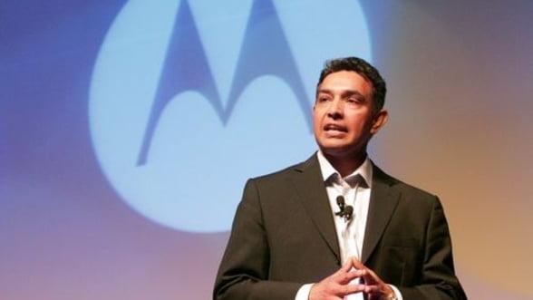 Salariu de CEO la Motorola Mobility: 47 milioane de dolari in 2011
