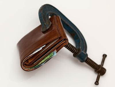 Salariul mediu a scazut cu 4,5% in ianuarie, la 3.189 lei