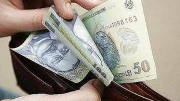 Salariul mediu net a crescut in martie cu 80 lei