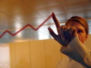 Salariul mediu net va ajunge la 1.819 lei pana in 2013