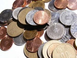 Salariul minim ar putea fi corelat cu salariul mediu si ar creste cu 1.000 de lei - propunere legislativa