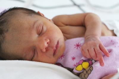 Salvati Copiii: Rata mortalitatii infantile e de cinci ori mai mare in Tulcea decat in Bucuresti. Ce cauzeaza clivajul