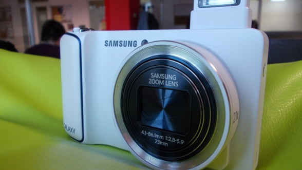Samsung Galaxy Camera, o camera foto care te vrajeste