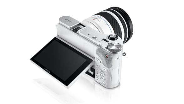 Samsung a lansat un aparat foto inedit, cu 20 de megapixeli (Galerie foto)