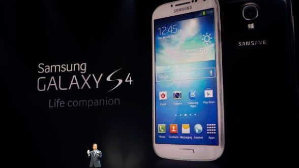 Samsung isi doboara propriul record. A vandut 6 milioane de smartphone-uri Galaxy S4