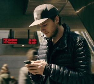 Sase aplicatii de smartphone care iti vor revolutiona vacanta