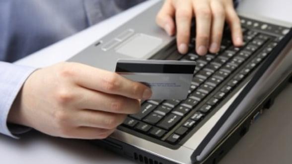 Sase romani, inculpati in SUA pentru fraude pe Internet