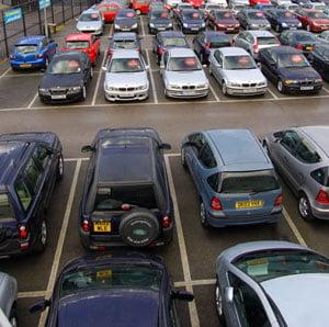 Scadere de 60% a pietei auto in luna iulie