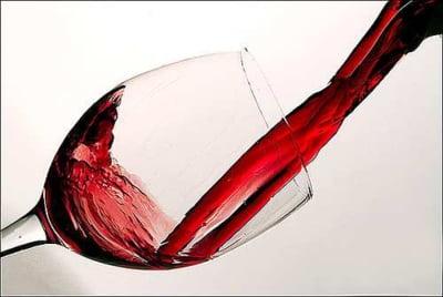 Schimbarea la fata a industriei vinurilor: Comertul online