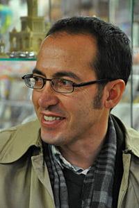 Scriitorul turc Burhan Sonmez: Erdogan a polarizat Turcia in doua parti, taind comunicarea dintre ele