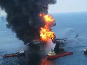Scufundarea platformei BP a provocat scurgerea a aproximativ 4,5 mil. barili de titei