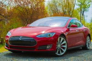 Se lanseaza o noua masina electrica Tesla, mult mai ieftina