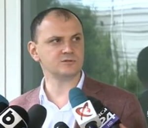 Sebastian Ghita, inculpat: Control judiciar si cu sechestru in dosarul in care e acuzat ca a dat mita o vila