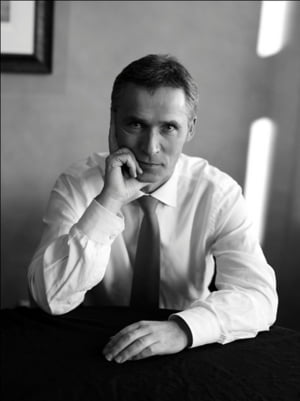 Secretarul general al NATO: O brigada romaneasca va fi transformata intr-una multinationala
