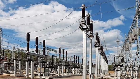 Sectorul energetic a tinut industria pe plus in primele patru luni