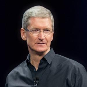 Seful Apple continua ofensiva impotriva FBI: Comparatii cu cancerul si discutii cu Obama