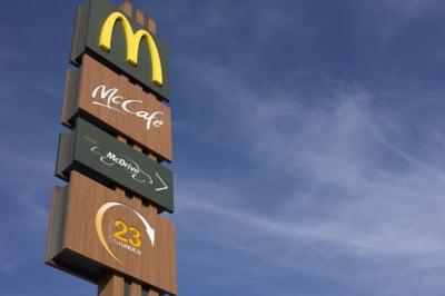 Seful McDonald's castiga de peste 3.000 de ori mai mult decat un angajat cu salariul mediu din compania sa