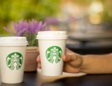 Seful Starbucks pleaca din companie dupa 36 de ani. Ar putea candida la Casa Alba