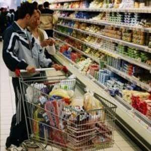 Senatorii au votat pentru un nivel al TVA de 5% la alimentele de baza