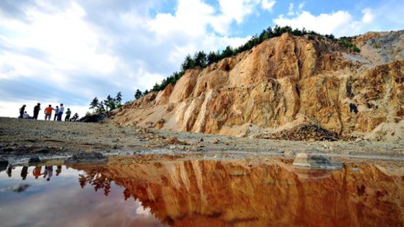 "Senatul a respins ""la mustata"" noua Lege a minelor, care trebuia sa ofere cadru legislativ pentru proiectul Rosia Montana"
