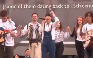 "Senzatie pe Internet: O tanara din China interpreteaza ""Canta Cucu-n Bucovina"" la Beijing (Video)"