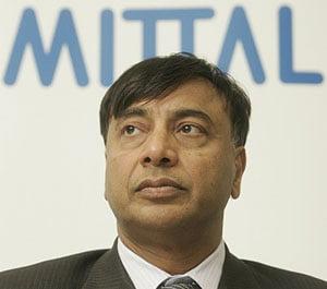 O remuneratie de 393 de milioane de lire sterline... dar magnatul Lakshmi Mittal nu va plati impozit, pentru ca nu are domiciliu britanic