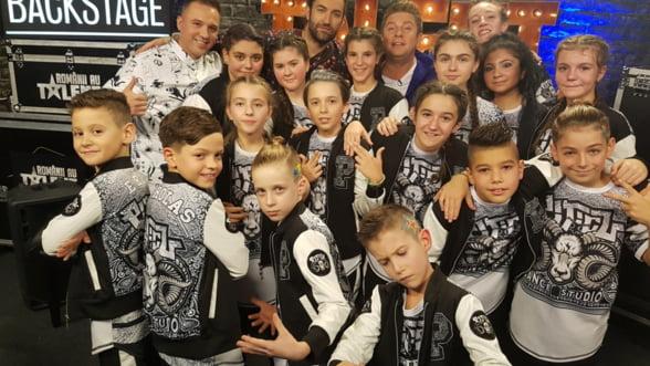 Show de Street Dance duminica, 5 noiembrie, la Galele DanceFest, cu trupa Brothers Family, de la scoala de dans a lui Piticu