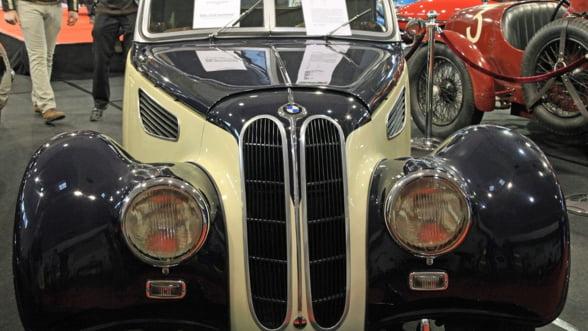 Sinaia gazduieste in weekend Concursul de Eleganta: Vedeta evenimentului este un BMW din 1938