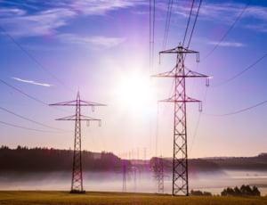 Situatie ingrijoratoare pe piata de energie: Importurile au crescut cu 38%, exporturile au scazut cu 40%, in primele 5 luni ale anului