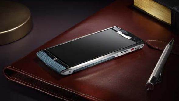 Smartphone de lux: Testeaza Signature Touch de la Vertu