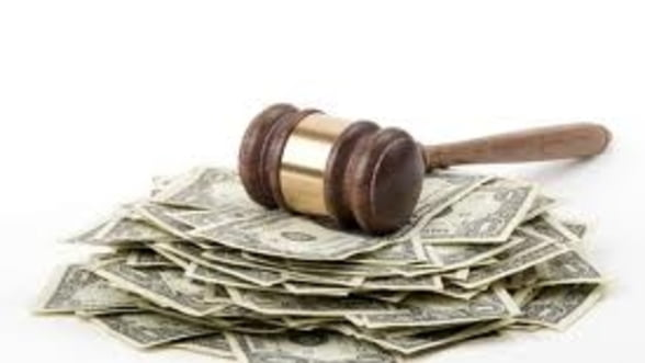 Smecheriile financiare pentru care bancile s-au ingropat in procese cu clientii