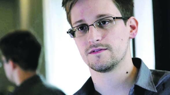 Snowden negociaza cu SUA intoarcerea sa in tara 'cu unele conditii'