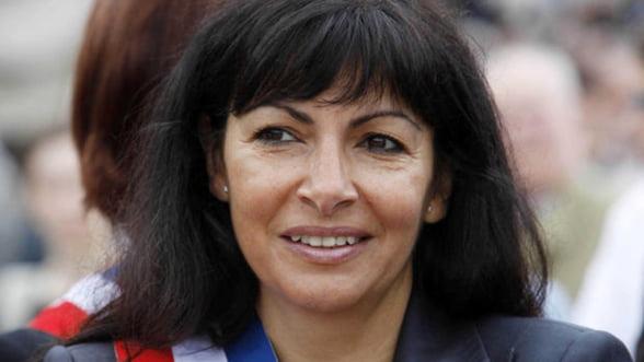 Socialista Anne Hidalgo va deveni prima femeie primar al Parisului