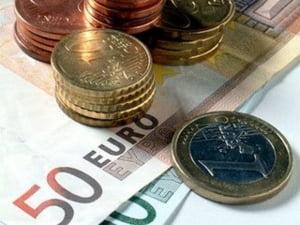 Softistii si bancherii, angajatii cu cele mai mari salarii