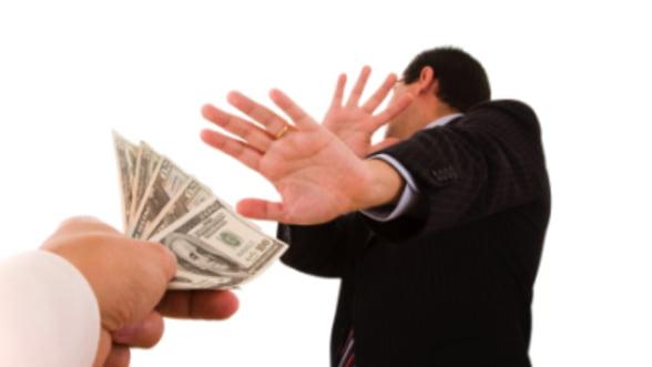 Sondaj Business 24: Romanii nu mai vor credite