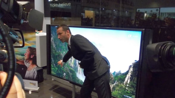 Sony a lansat in Romania televizorul cu diagonala de doi metri. Costa 26.000 de euro