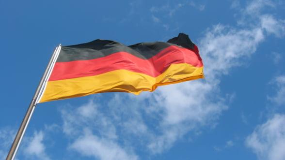 Soros: Germania trebuie sa paraseasca zona euro, nu Grecia