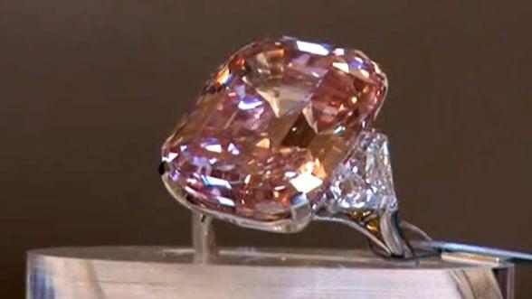 Sotheby's scoate la licitatie bijuterii de 60 de milioane de dolari