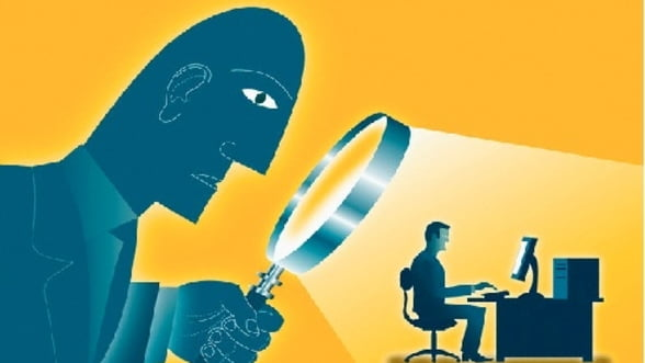 Spionaj la el acasa: FBI are acces la serverele Google si Facebook