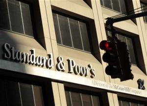 Standard & Poor's a retrogradat ratingul Italiei de la A la A+