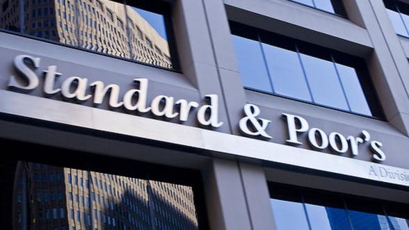 Standard&Poor's retrogradeaza 10 banci spaniole