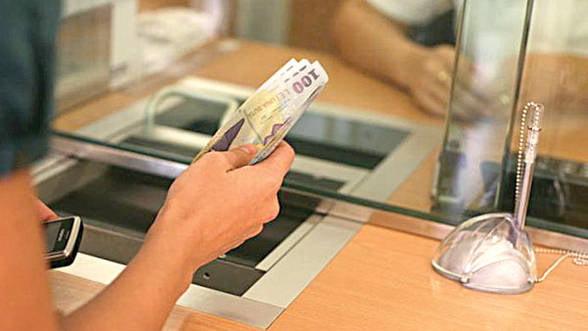 Standardele de creditare au continuat sa se inaspreasca pentru creditele imobiliare