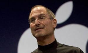 """Steve Jobs, desemnat """"patronul deceniului"""""""