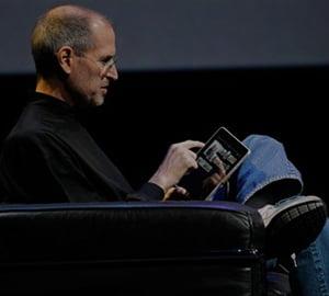 Steve Jobs, maestrul prezentarilor. Afla cum poti ajunge ca CEO-ul Apple