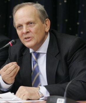 Stolojan: Bancile din Romania nu sunt afectate de o maniera ingrijoratoare