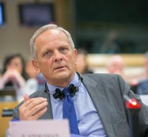 Stolojan: Nu exista limita de jos pentru o economie. Alianta PSD-ALDE mai are multe alte taxe care pot fi introduse