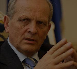 Stolojan: Trebuia sa fim demult in zona euro